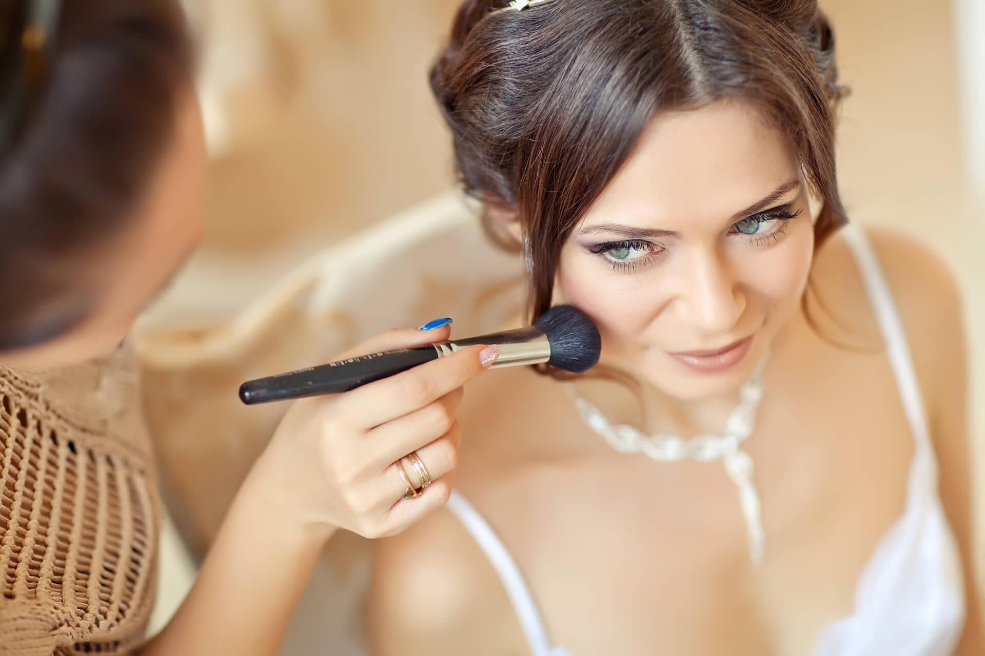 Machiajul din ziua nunții – strălucire sau stres?
